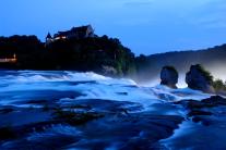 Rheinfall bei Dämmerung